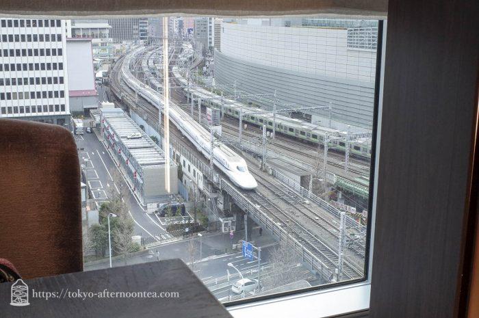 ラウンジ&ダイニングスペース「モティーフ レストラン&バー」フォーシーズンズホテル丸の内 東京